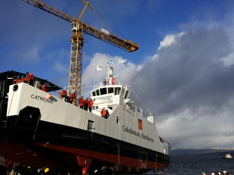 Third hybrid ferry launches on the Clyde